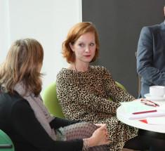 """Medienlabor """"BRIGITTE geht in Rente – Wer sind die Enkelinnen?"""" . Mitte: Theresa Bücker, Edition F (Foto Eva Hehemann)"""