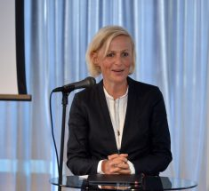 Preisträgerin Sandra Petersmann (Foto: Oliver Ziebe)