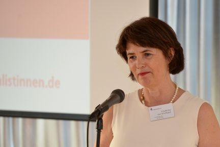Laudatorin Friederike von Kirchbach (Foto: Oliver Ziebe)