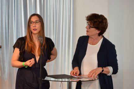 Annika Erichsen und Andrea Ernst (Foto: Oliver Ziebe)
