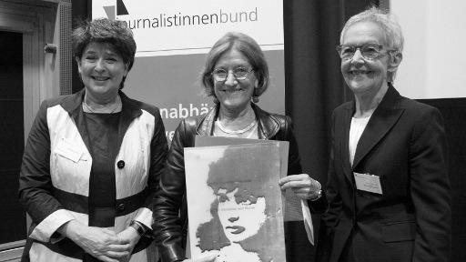 2014: jb-Vorsitzende Andrea Ernst, Preisträgerin Christina von Braun, Laudatorin Inge von Bönninghausen