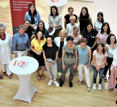 Die Teilnehmerinnen des jb-Mentoringprogramms 2019 im Gruppenbild